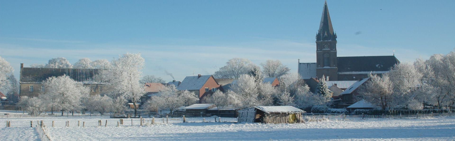 Winter Landschaft Kirche